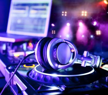 DJ-Disco-MC (Virtuel ou Présentiel)