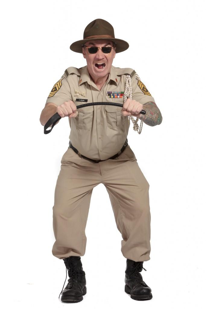 LE CAPORAL GRAVEL :Garde à vous, il est dur comme du rock !
