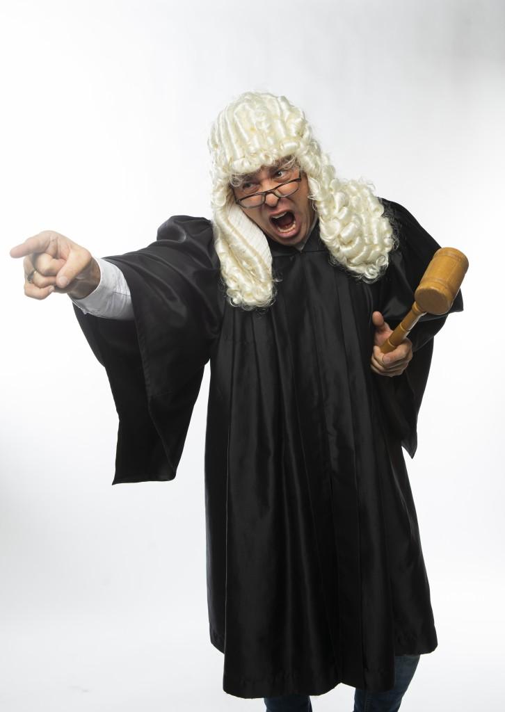 LE JUGE BELLEHUMEURE : Coupable… bien malgré vous !
